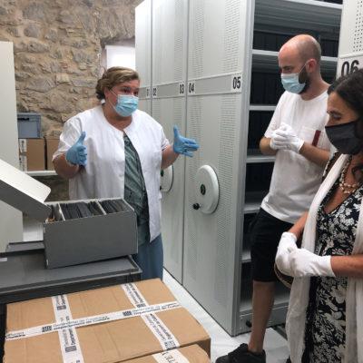 L'Arxiu Històric de l'Escala recepciona vora mig miler de documents del fons Víctor Català degudament restaurats